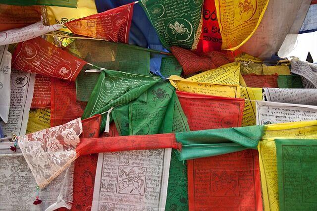 prayer-flags-669327_640