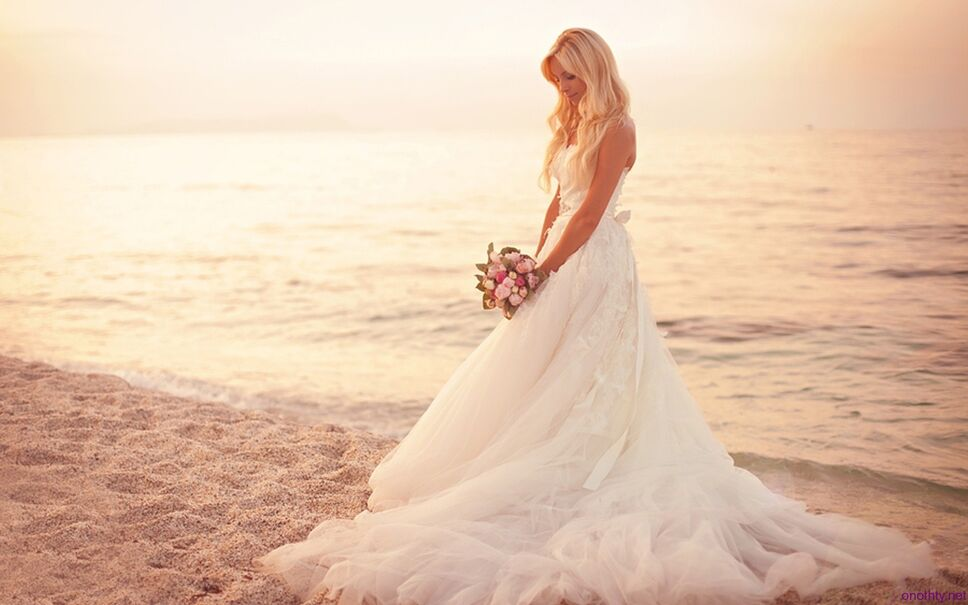 Packing For Your Destination Wedding: What You Need To Know