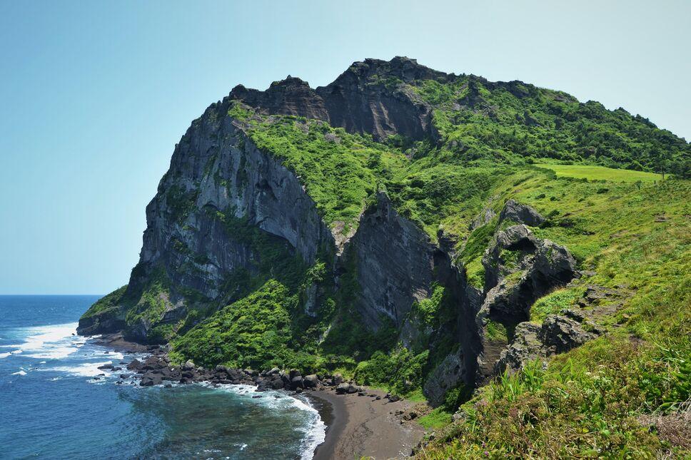 Jeju cliffs